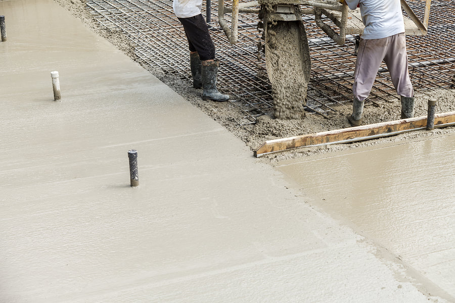 Picture of laying a concrete driveway in Napa Valley.